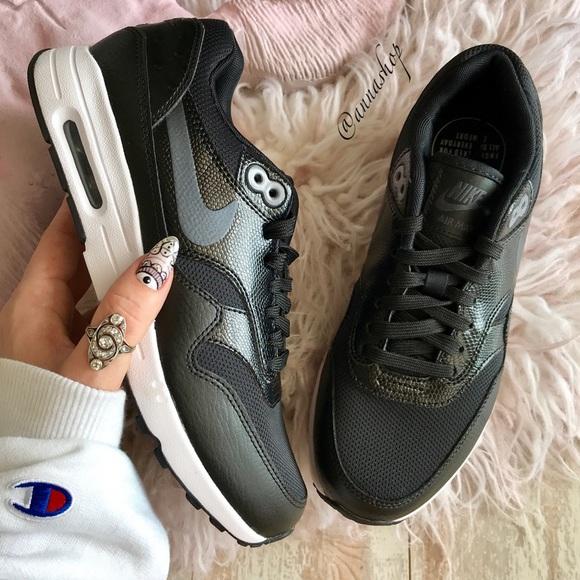 new product 1e32a 0e4d4 NWT Nike Air Max 1 Ultra